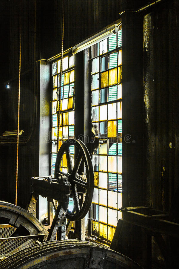 Free Detail Of Old Machine In Iron Works Factory Stock Photo - 31957030