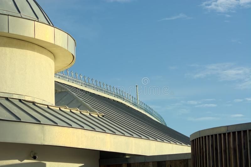 Detail van dak Rechte lijnen & Krommen stock afbeeldingen