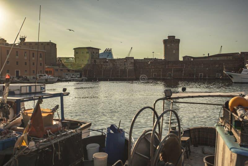 Detail van de oude haven van Livorno stock afbeeldingen