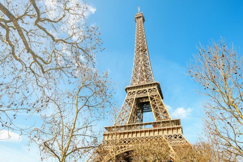 Download Detail Van De Toren Van Eiffel Van Parijs Stock Foto - Afbeelding bestaande uit blauw, bouw: 107703736