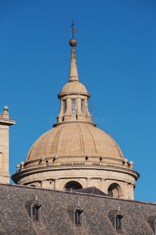 Detail van de voorgevel van beroemd Klooster van Gr Escorial, Madrid royalty-vrije stock fotografie