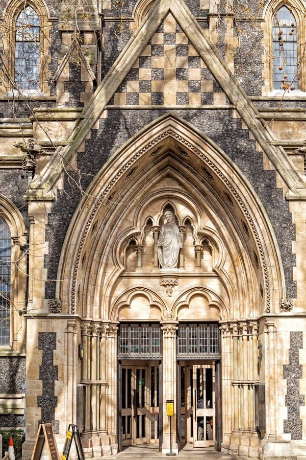 Detail van de voorgevel van Southwark-Kathedraal in Londen royalty-vrije stock afbeeldingen