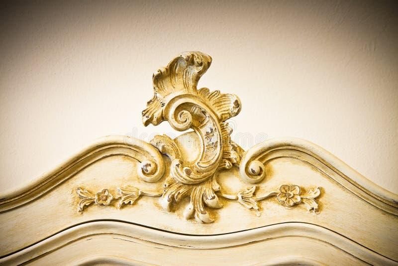 Detail van een antiek Italiaans enkel hersteld meubilair stock foto's