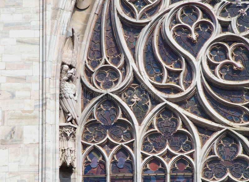Detail van een Gebrandschilderd glasvenster in Notre Dame in Parijs stock fotografie