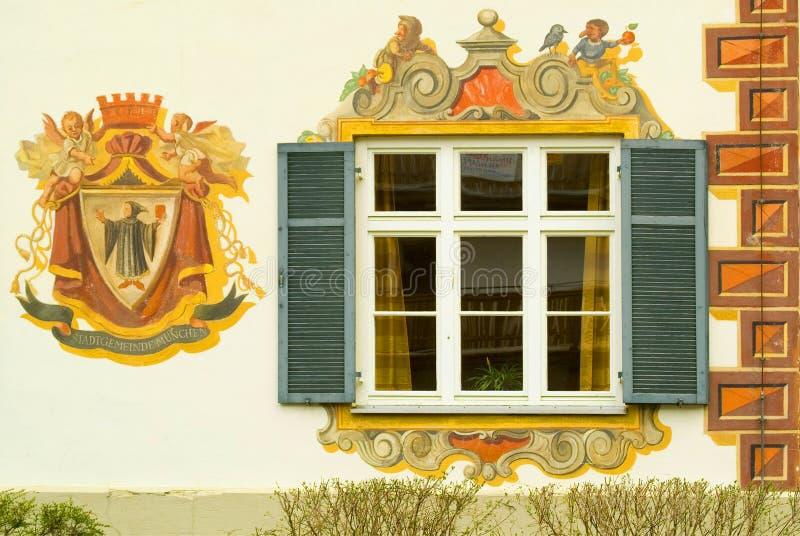 Detail van een geschilderd huis in Beieren royalty-vrije stock afbeeldingen