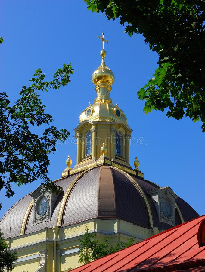 Detail van een koepel in heilige-Petersburg, Rusland stock afbeeldingen