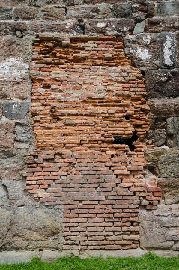 Detail van een rode infill baksteen stock foto's