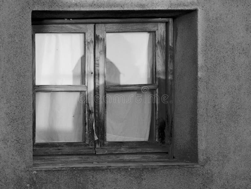 detail van een venster in een oude kasteelmuur royalty-vrije stock fotografie