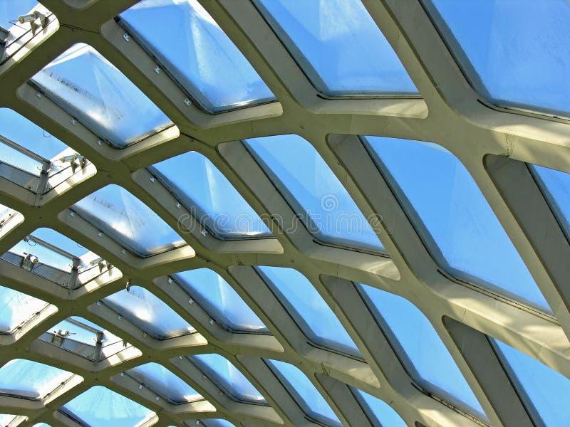 Detail van glas en staal stock foto's