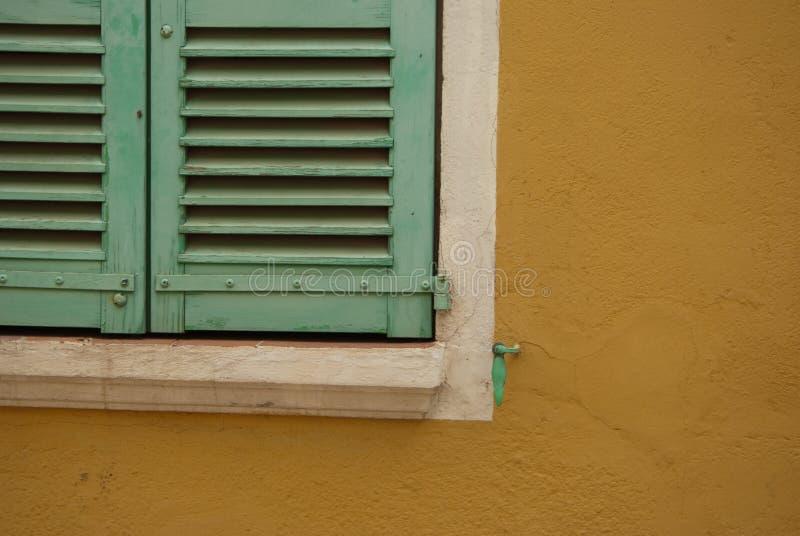 Detail van groene vensterblinden royalty-vrije stock fotografie