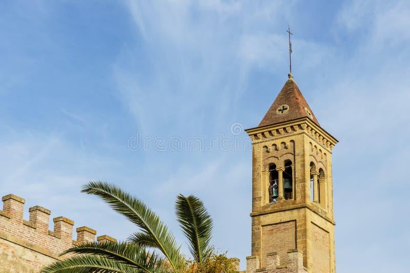 Detail van het oude middeleeuwse dorp en de klokketoren van Bolgheri, Livorno, Toscanië, Italië royalty-vrije stock foto