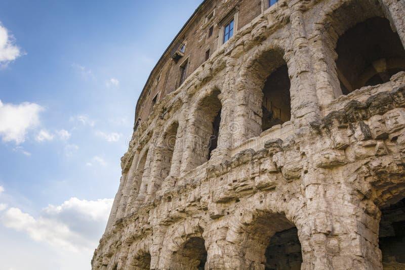 Detail van het oude Theater van Marcellus in Rome stock afbeelding