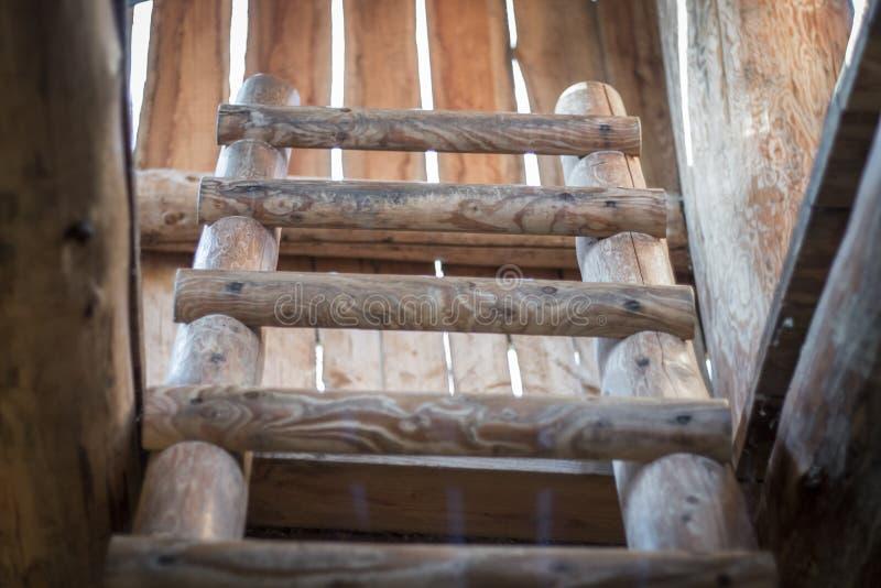 Detail van houten ladder van oude watchtower royalty-vrije stock afbeeldingen