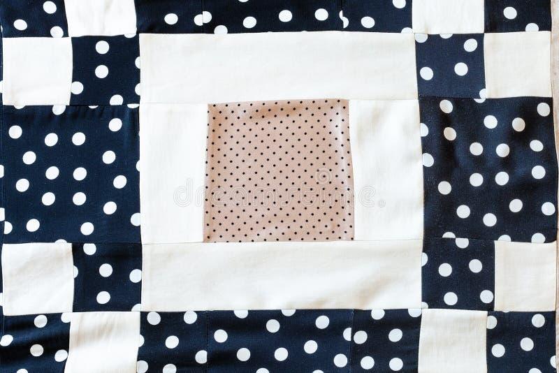 Detail van lapwerksjaal van stippenstoffen stock afbeeldingen