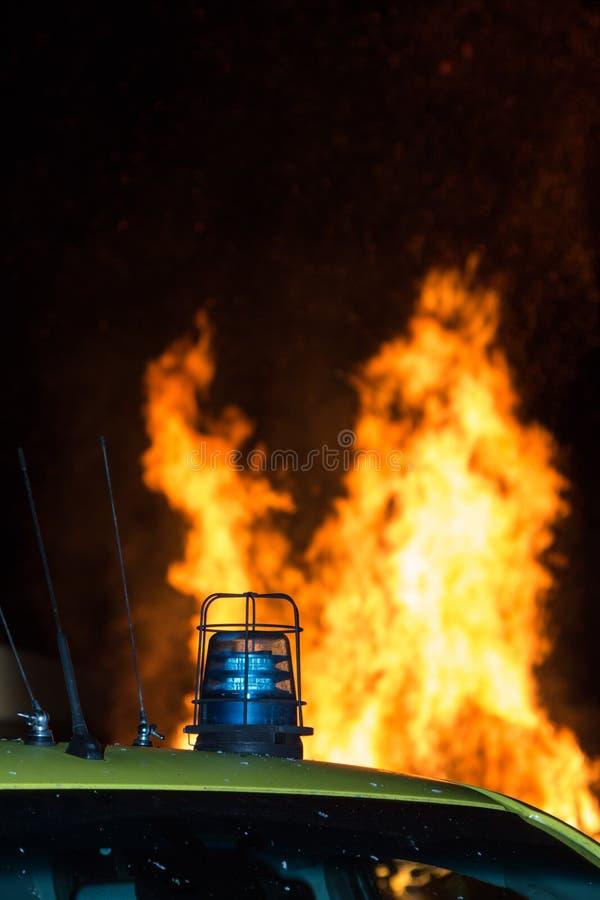 Detail van Opvlammend Blauw Sirenelicht op Dak van Noodsituatievoertuig stock afbeelding