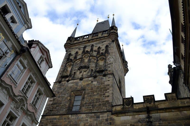 Detail van oude toren van Praag stock fotografie