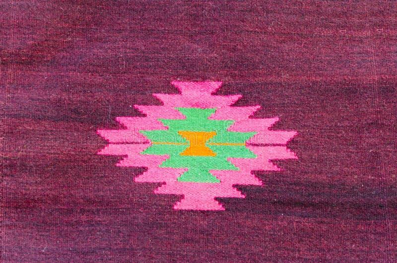 Detail van Rood oosters tapijt royalty-vrije stock afbeelding