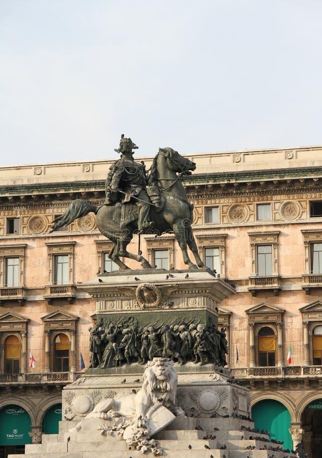 Detail van Ruiterstandbeeld in Duomo-vierkant - Milaan Vittorio Emanuele II Koning - Italië stock afbeelding