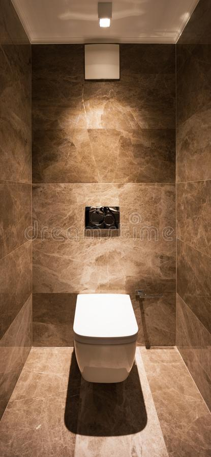 Detail van toilet in een marmeren badkamers royalty-vrije stock foto