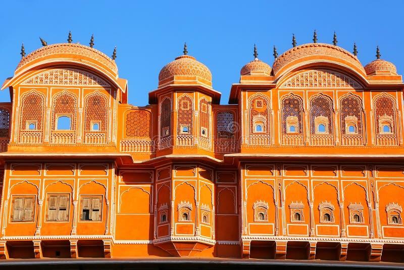 Detail van traditioneel huis in Jaipur, Rajasthan, India stock foto's