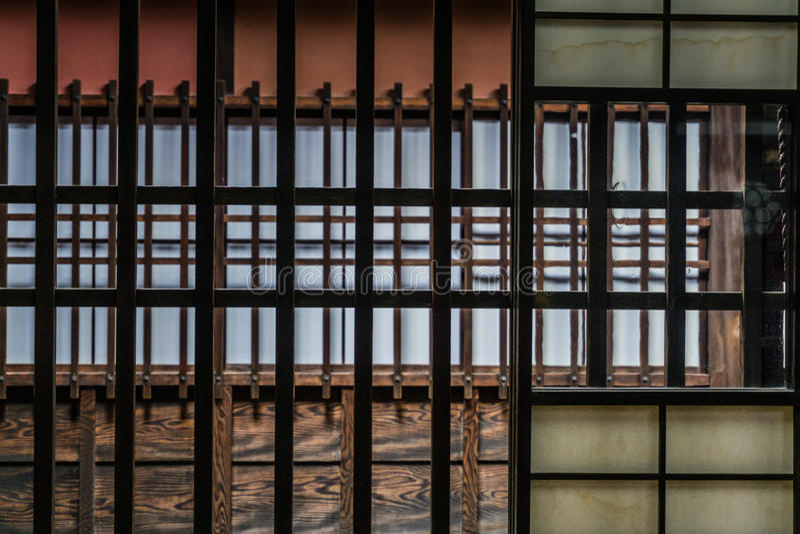 Detail van traditioneel Japans houten raamkozijn stock fotografie