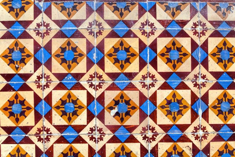 Detail van traditionele tegels op voorgevel van oud huis royalty-vrije stock foto's