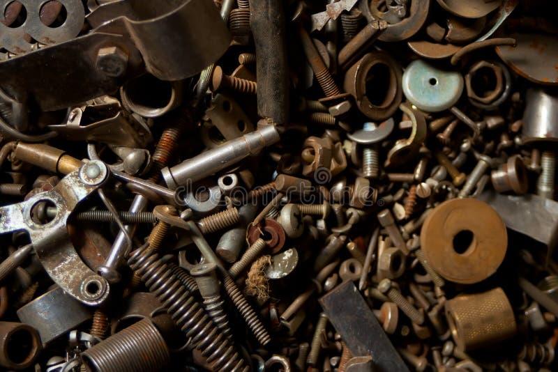 Detail van verschillende metaal oude bouten en noten royalty-vrije stock afbeeldingen