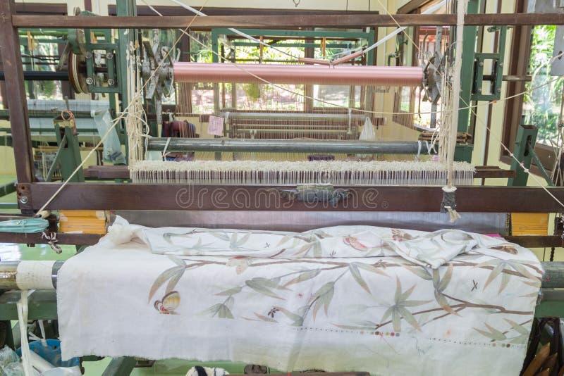 Detail van wevend weefgetouw voor eigengemaakte zijde royalty-vrije stock foto's