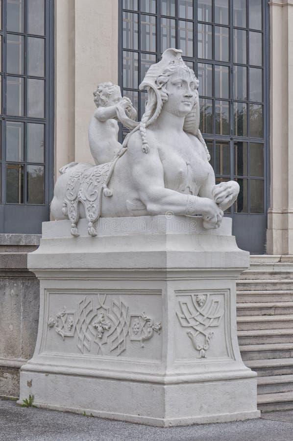 Detail vom oberen Belvedere-Palast in Wien stockfotos