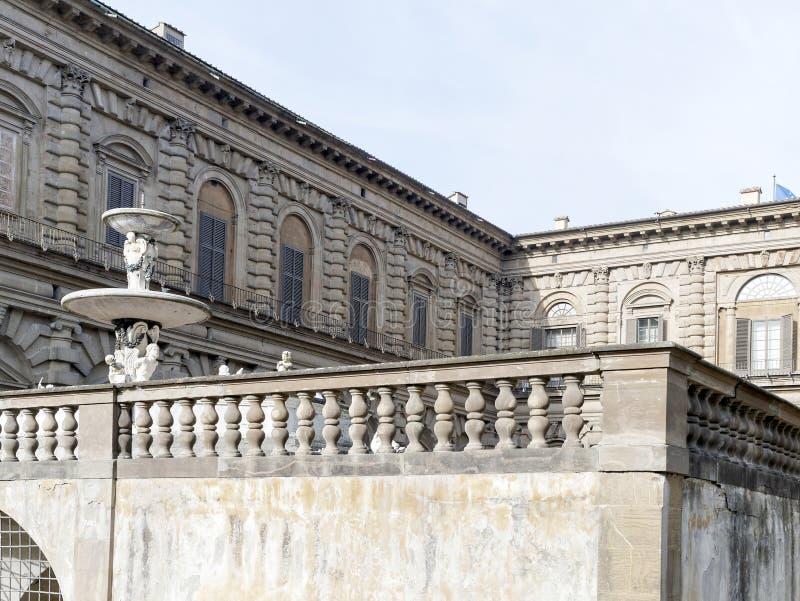 Detail von Palazzo Pitti lizenzfreie stockfotos