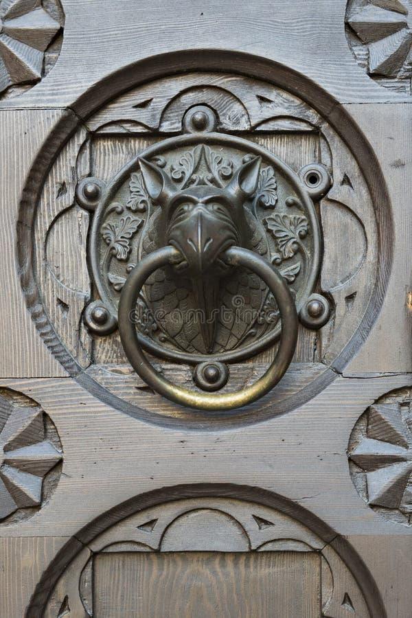 Detaildeur van kathedraal Trento, Italië royalty-vrije stock afbeelding