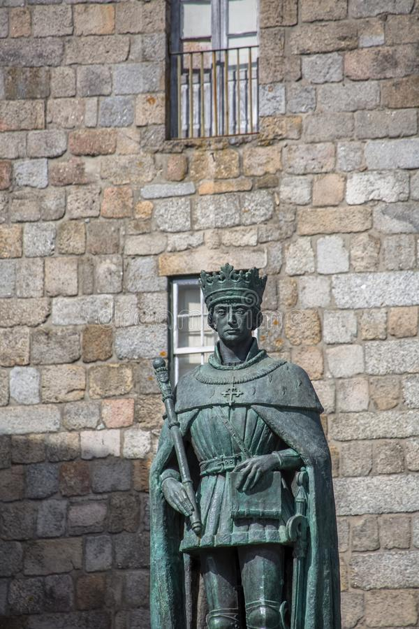 Free Detailed View At The D. Duarte Statue On D. Duarte And Lateral Facade Of The Cathedral Of Viseu As Background Stock Photo - 165008460