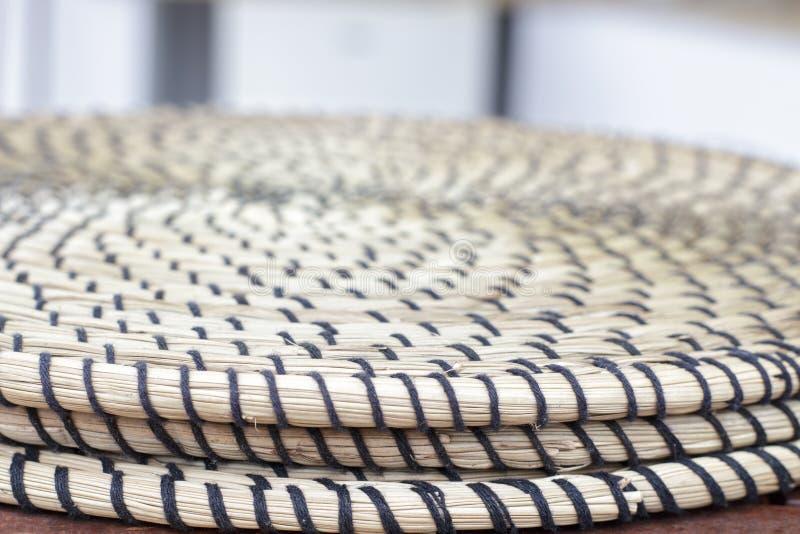 Detailmening van verscheidene ronde treeft gemaakt van rijs stock foto's