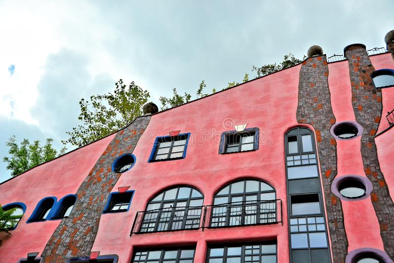 Details der Fassade des Hundertwasser Hauses lizenzfreie stockfotos