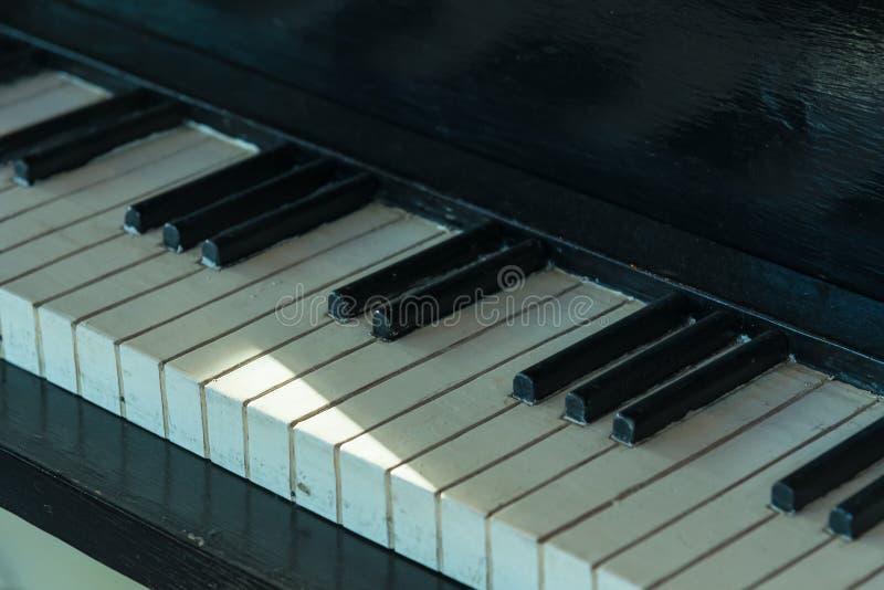 Details der Weinlese, h?lzerne Klavierschl?ssel stockfoto