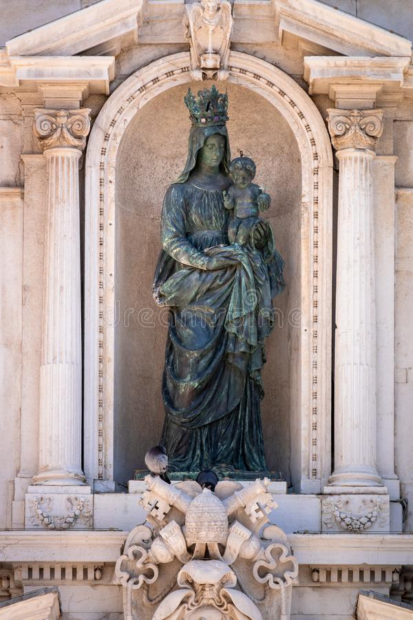 Details des Basilika della Santa Casa in Italien Marken lizenzfreies stockbild