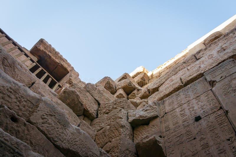 Details des Innenraums des Tempels von Edfu Egypt lizenzfreies stockbild