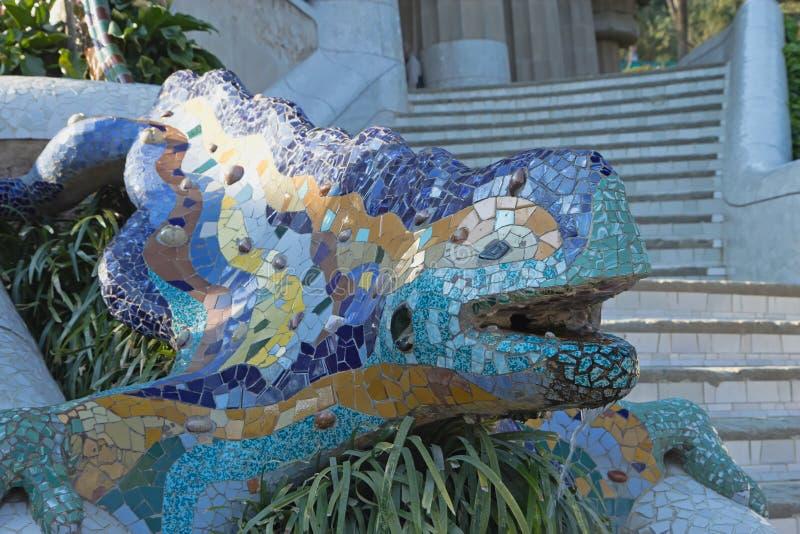 Details des keramischen Drachebrunnens lizenzfreie stockfotografie