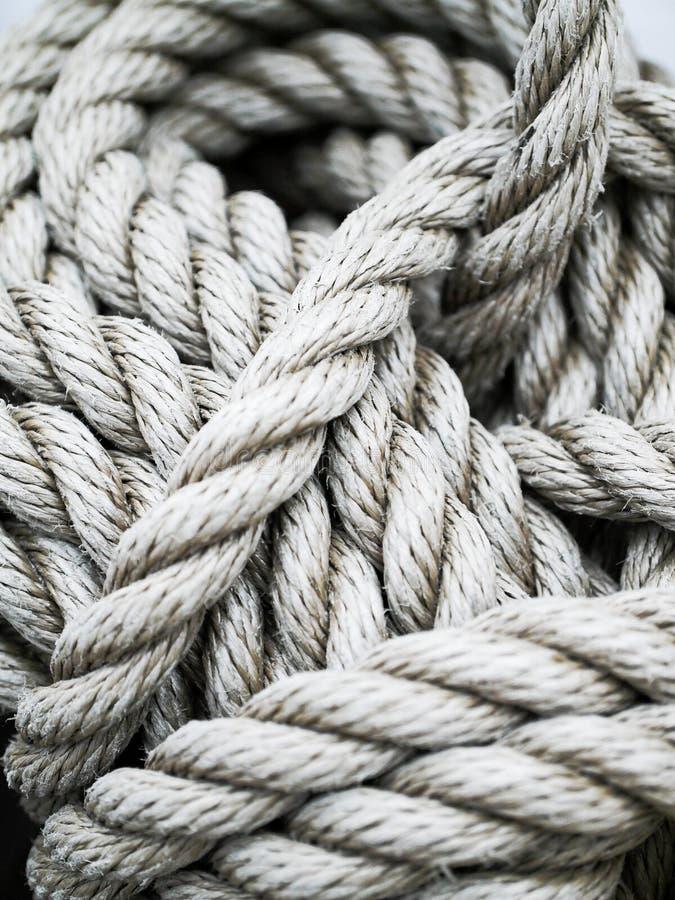 Details van een dikke kabel op een schip royalty-vrije stock fotografie