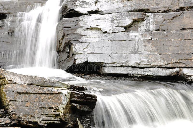 Details van mooie waterval stock afbeeldingen