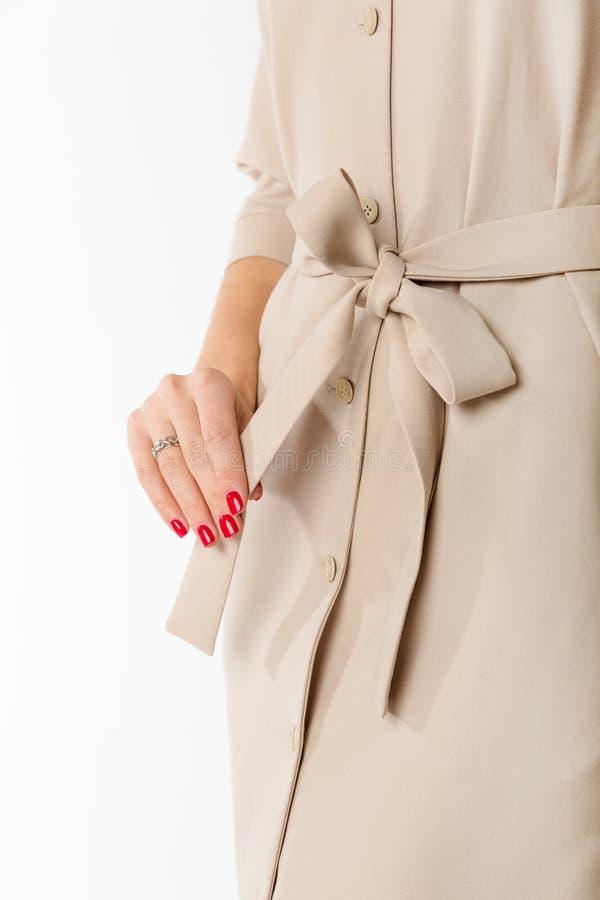 Details von Frauen ` s Kleidung Detailkleid auf einem Modell stockbild