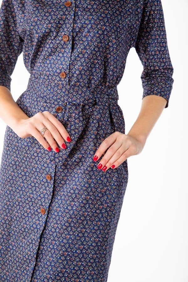 Details von Frauen ` s Kleidung Detailkleid auf einem Modell lizenzfreie stockbilder