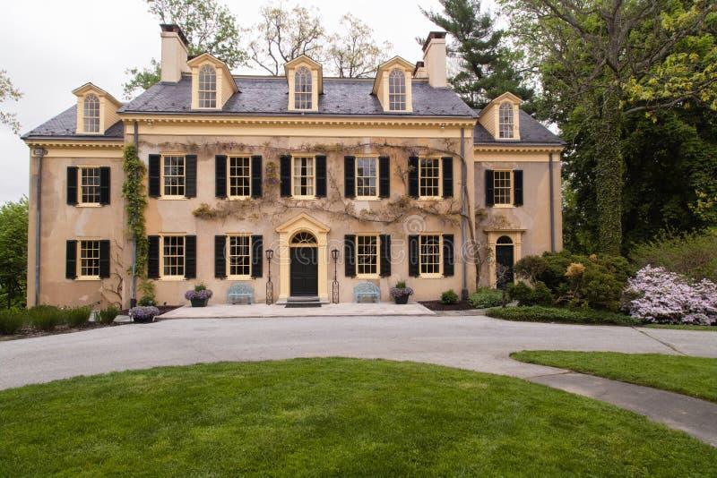 Details zum alten Haus und zur Architektur Gildenalter amerikanischer Geschichte lizenzfreie stockfotografie