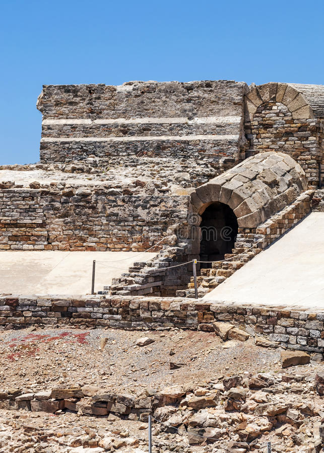 Download Detaisd Of Roman Forum In Vertical Stock Image - Image: 25344531
