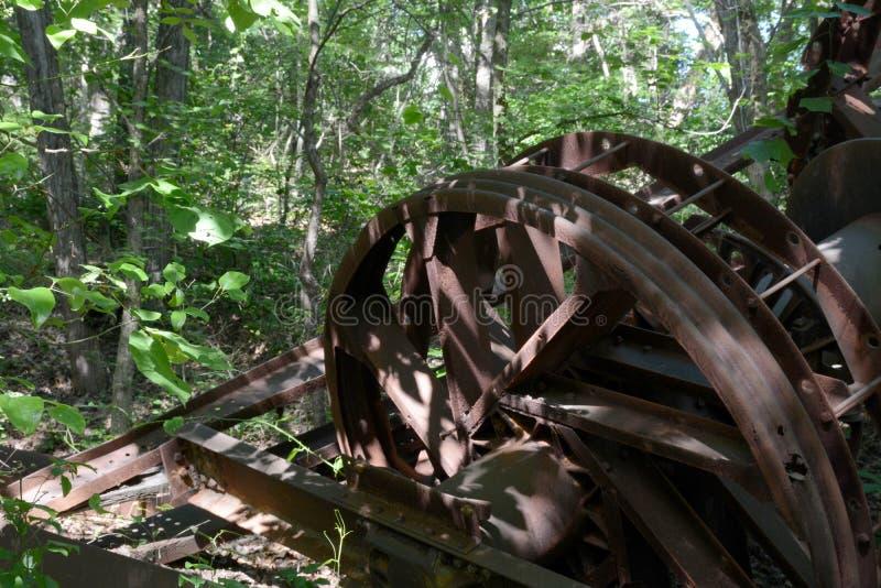 Detalhe abandonado da torre de óleo fotos de stock royalty free