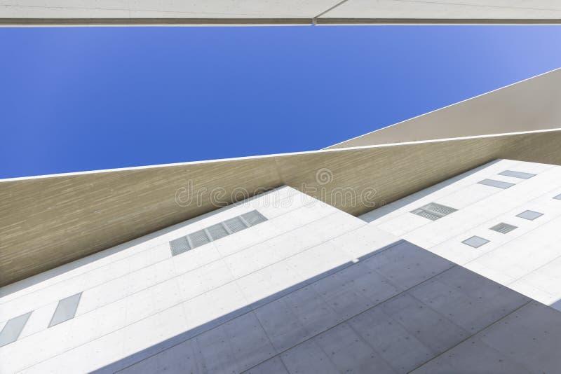 Detalhe arquitectónico de construção moderna imagens de stock royalty free