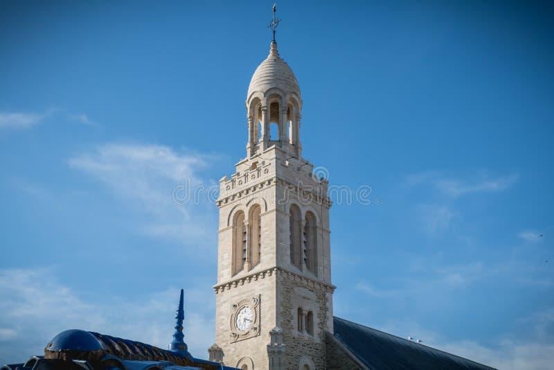 Detalhe arquitetónico do exterior da igreja de St Croix fotos de stock
