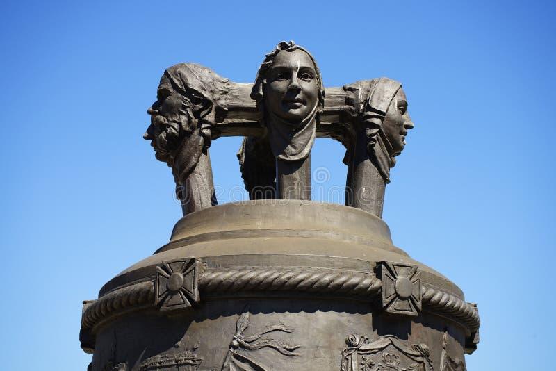 Detalhe arquitetónico do sino de bronze em Alba Iulia City fotos de stock royalty free