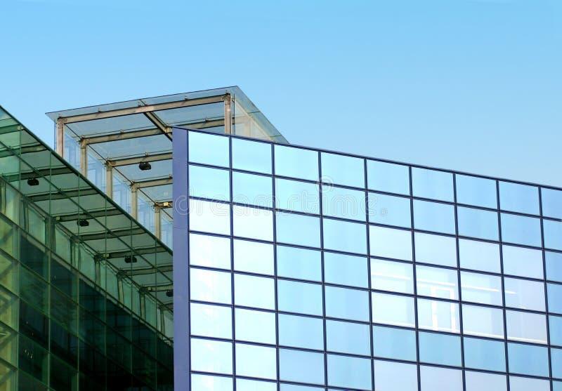 Detalhe azul do arranha-céus imagens de stock royalty free