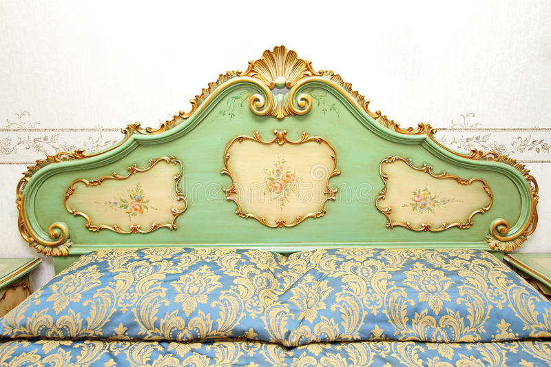 Detalhe barroco da cama foto de stock royalty free